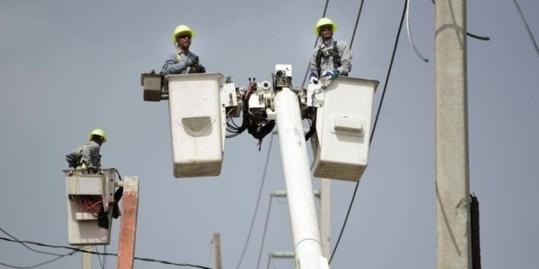 Feature - Puerto Rico Power Outage